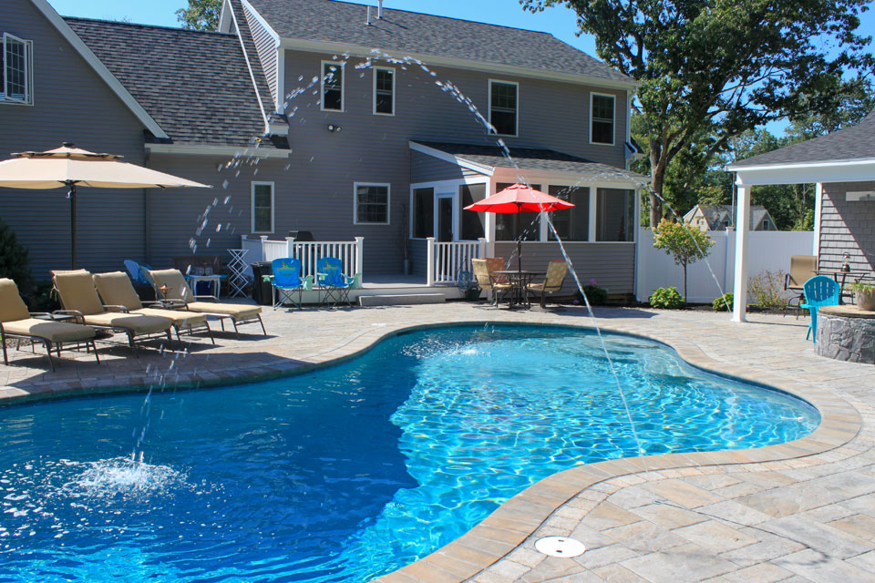 Specialty pool features gallery northern pool spa me for Inground pool dealers near me